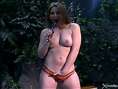 Sunny Lane and Ice La Fox show dildo ...