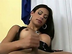 Young TS Bombshell Bruna Rodriques Stroking